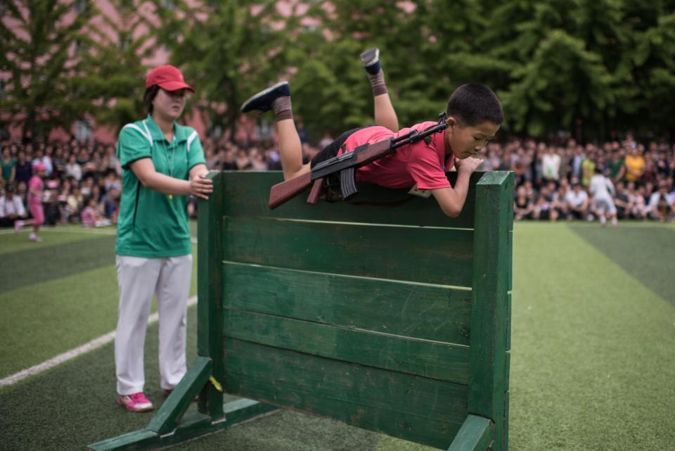 В Северной Корее школьников приучают родину защищать