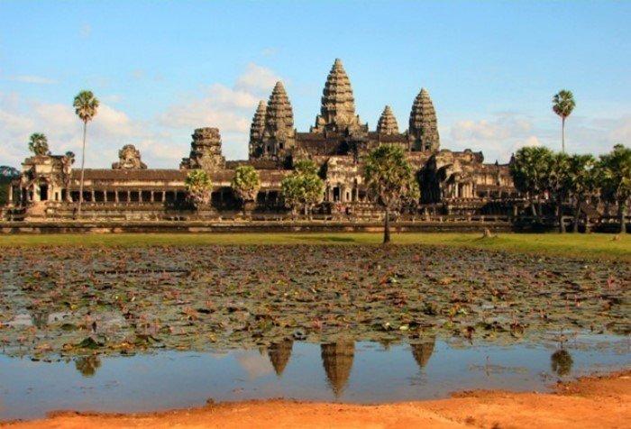 10 глупых поступков, которые совершали туристы