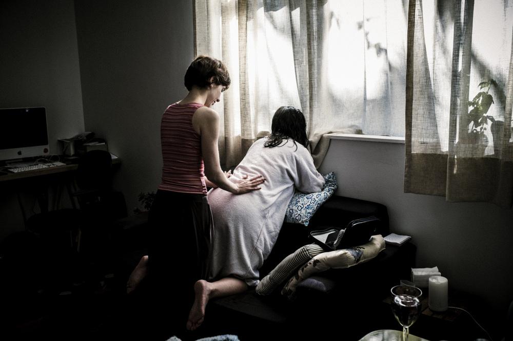Фотопроект бразильского фотографа о домашних родах