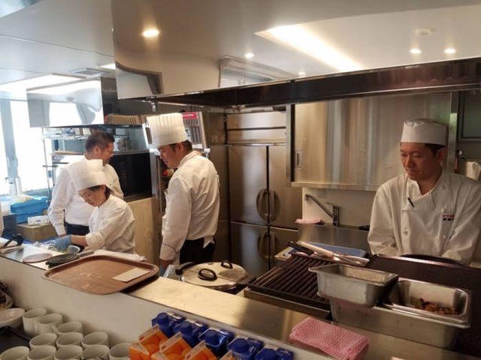 Ресторан ошибочных заказов в Токио