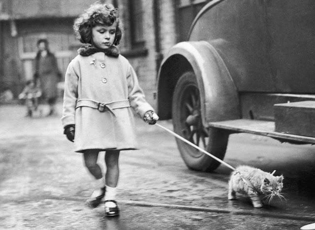 Яркий Лондон 1930-х годов на черно-белых фотографиях