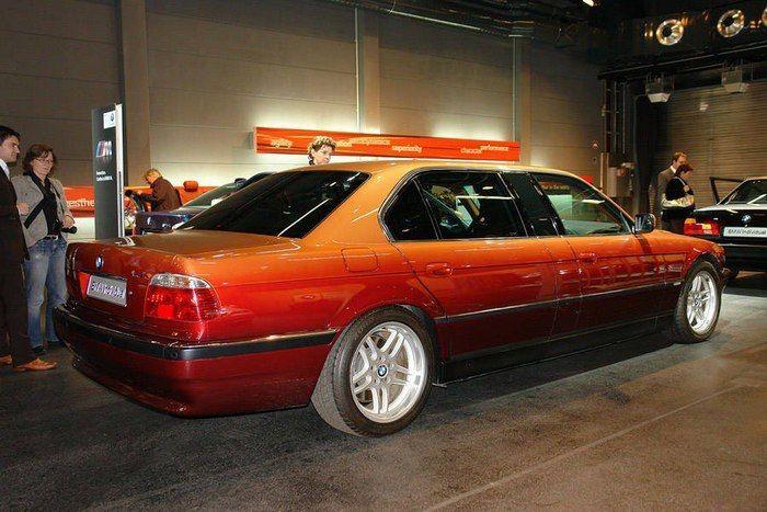 BMW 7-Series Long E38 от модельера Карла Лагерфельда
