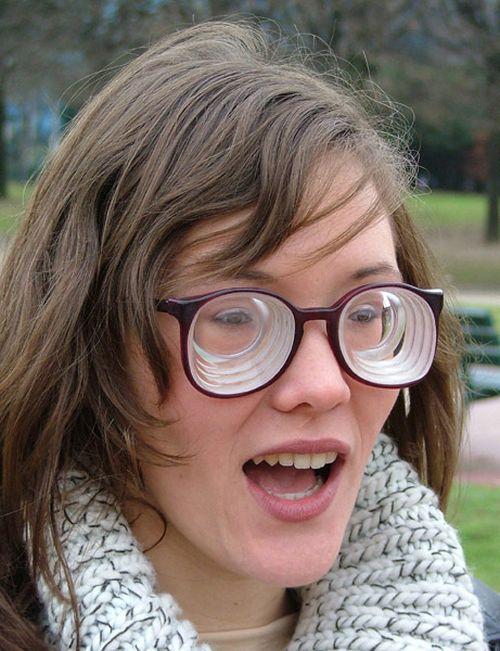 Очки с линзами -20 диоптрий