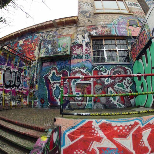 Стена граффити в Нидерландах