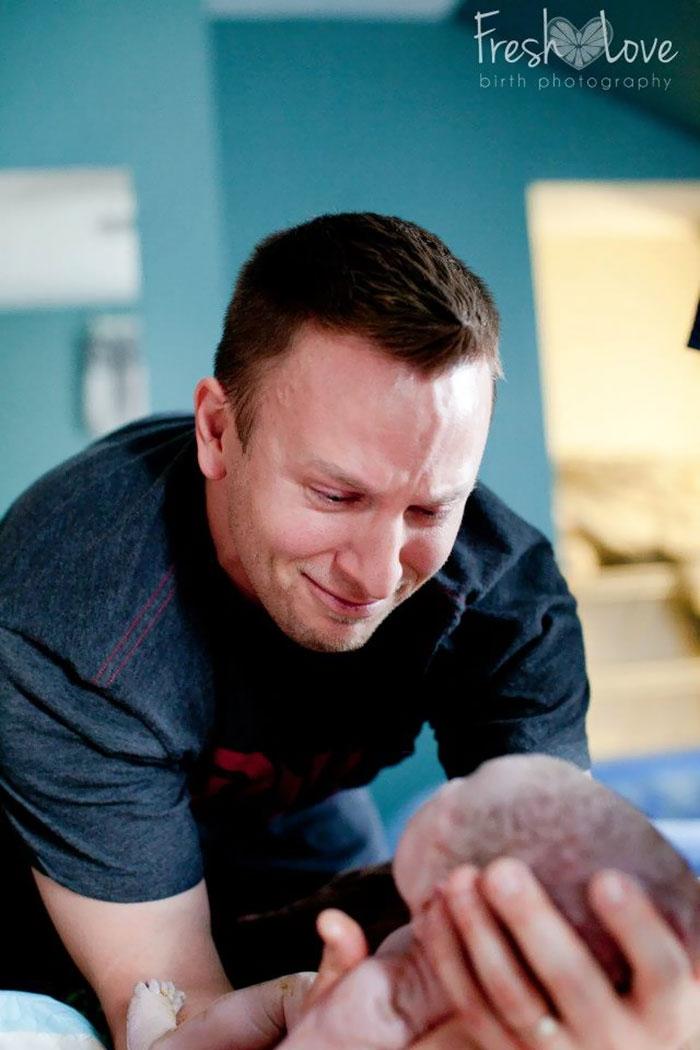 25 отцов, присутствовавших при рождении своего ребёнка