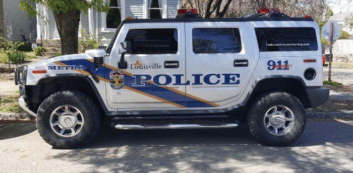 Не совсем обычный полицейский автомобиль