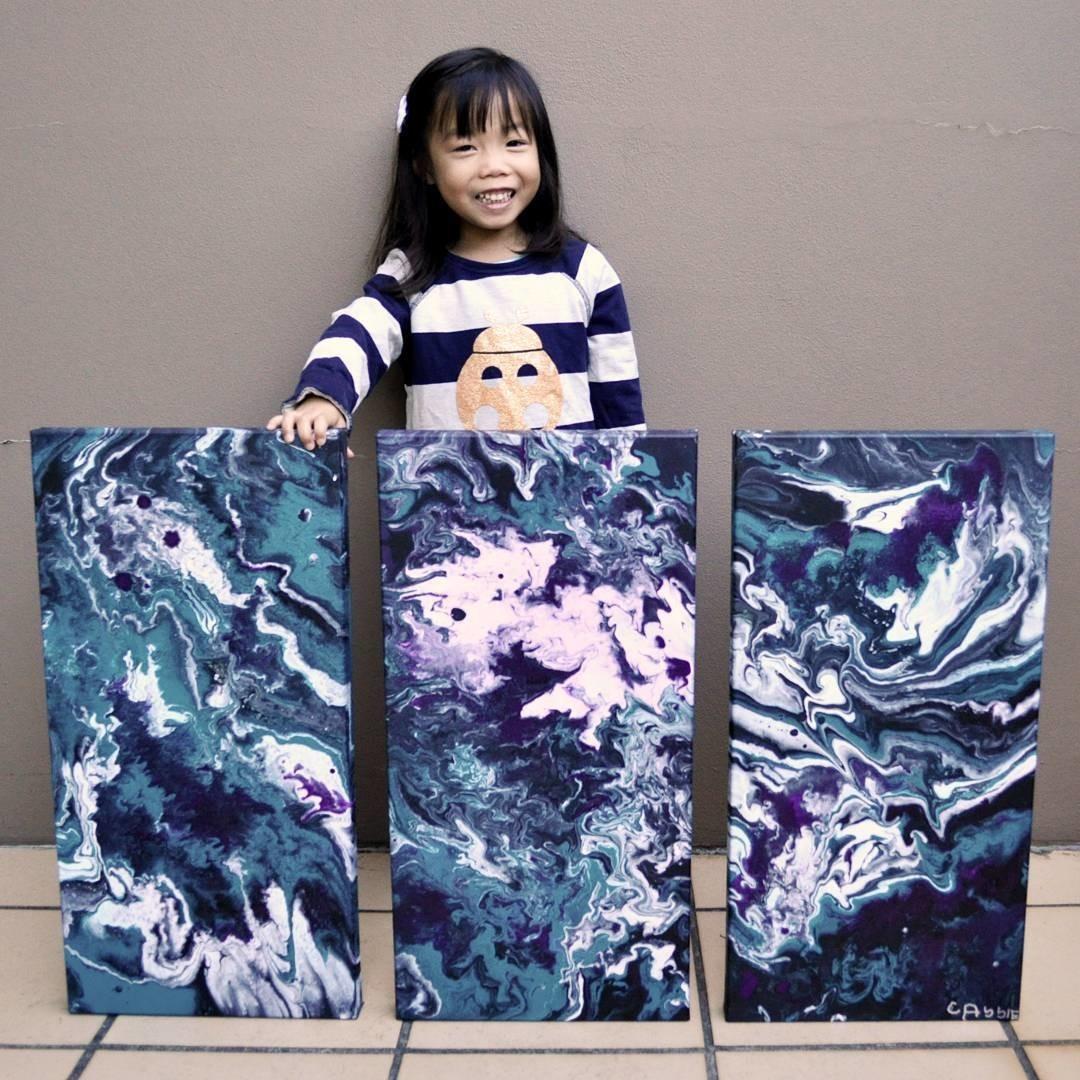5-летняя художница помогает нуждающимся детям