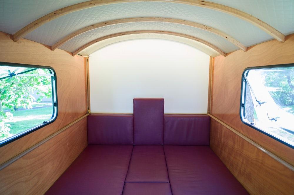 Компактный и легкий трейлер-дом