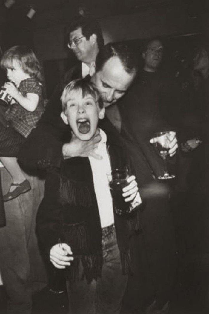 60 закадровых фотографий со съемок культовых фильмов