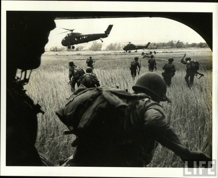 Редкие фото Вьетнамской войны от Ларри Барроуза