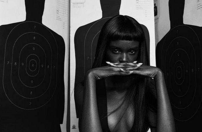 Даки Тот - темнокожая модель с внешностью куклы