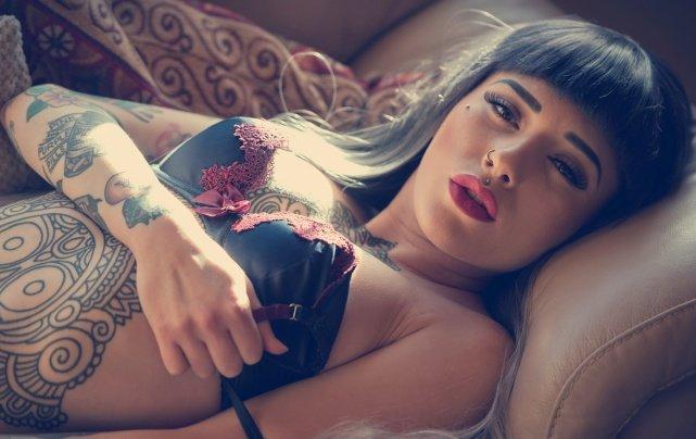 Вещи, которые нельзя делать с женской грудью