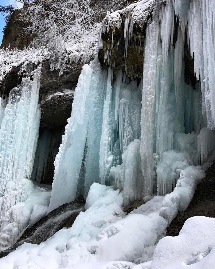 Красота замёрзших водопадов