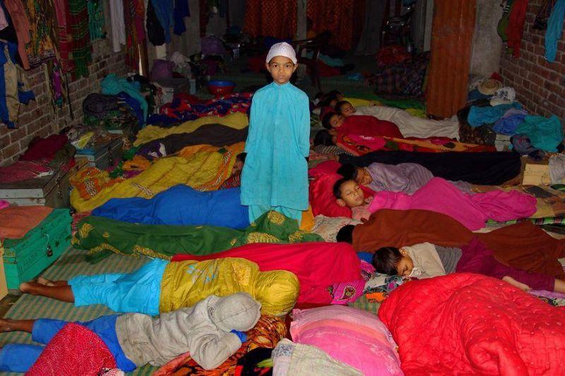 Как живется ребятне в детских домах Бангладеш
