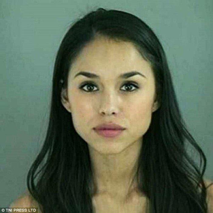 Магшоты симпатичных девушек-преступниц