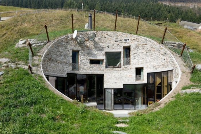 Дома, расположенные в самых необычных местах