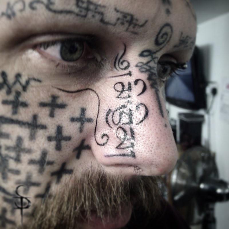 Татуировки на носу