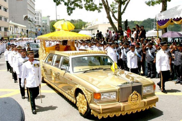 Странные автомобили из коллекции султана Брунея