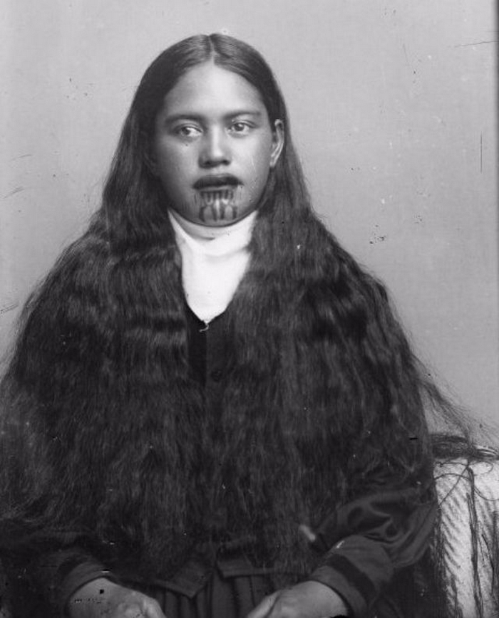 Портреты женщин маори со священными татуировками