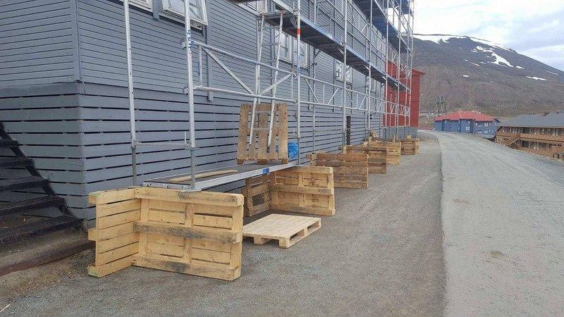 Норвежские строители установили леса