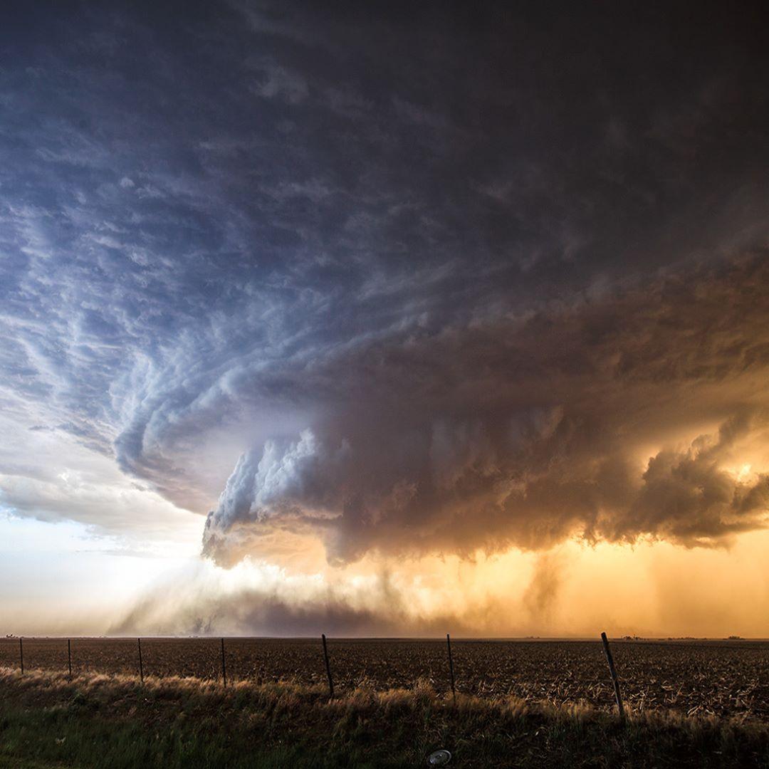 Поразительные шторма и грозы