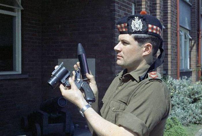 Травматическое оружие британской полиции
