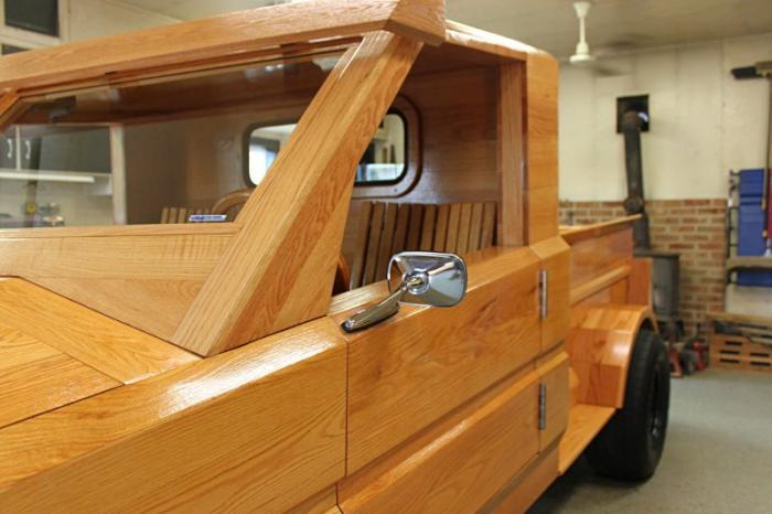 Деревянный пикап Ford из Южной Дакоты