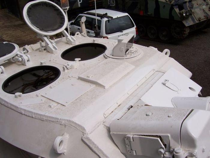 В Великобритании появились танки-лимузины