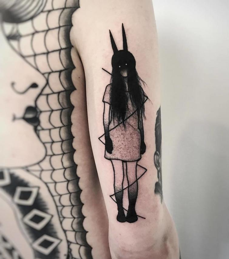 Мрачные чёрно-белые татуировки, которые пугают и завораживают