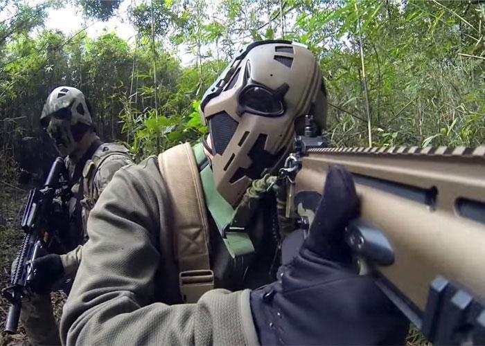 Кевларовые шлемы британского спецназа в стиле Звездных войн