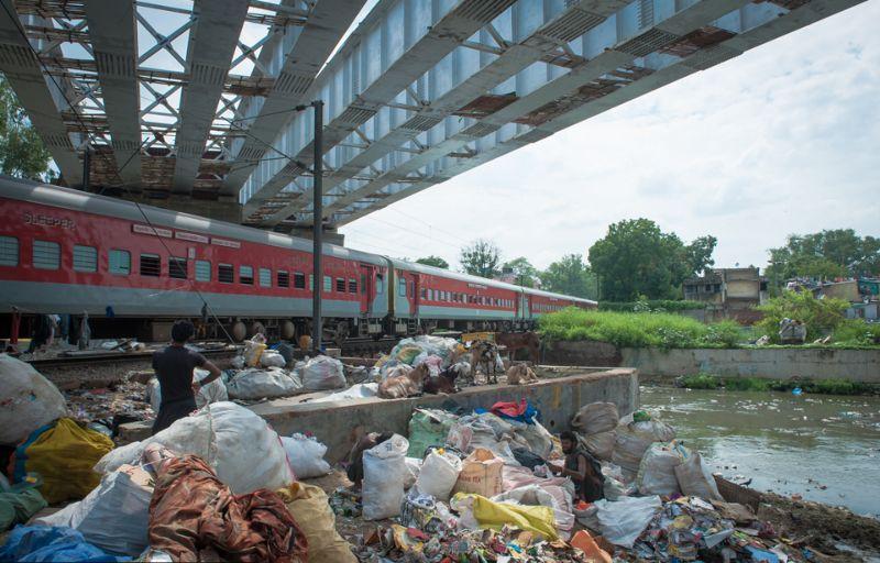 Бизнес по ручной сортировке отходов в Индии