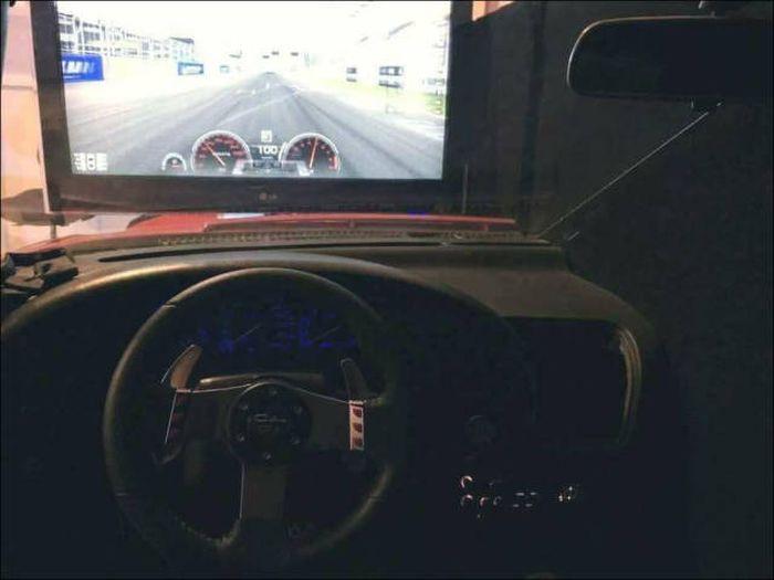 Классный гоночный симулятор из Тойоты