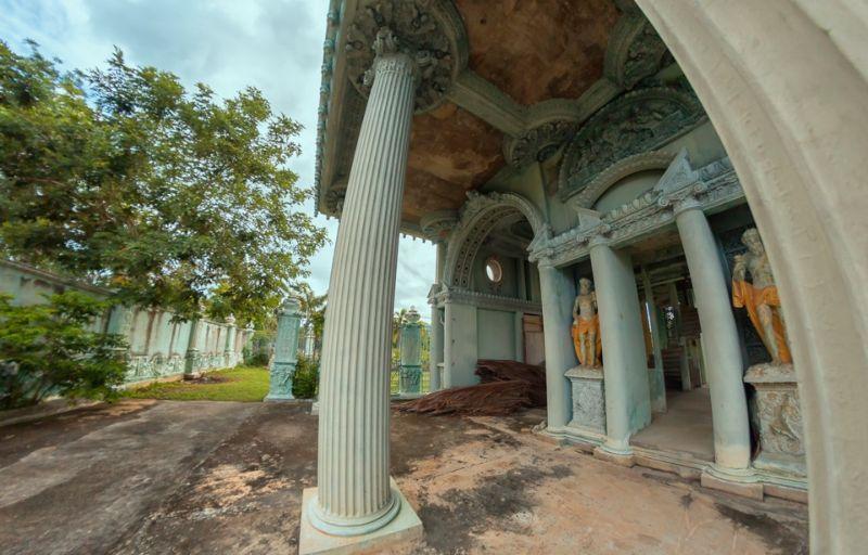 Роскошный особняк в Таиланде, который пустует четверть века