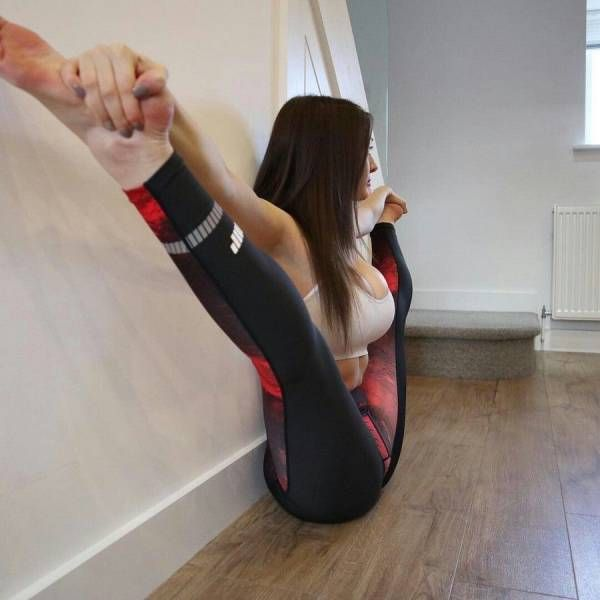 Красивые гибкие девушки