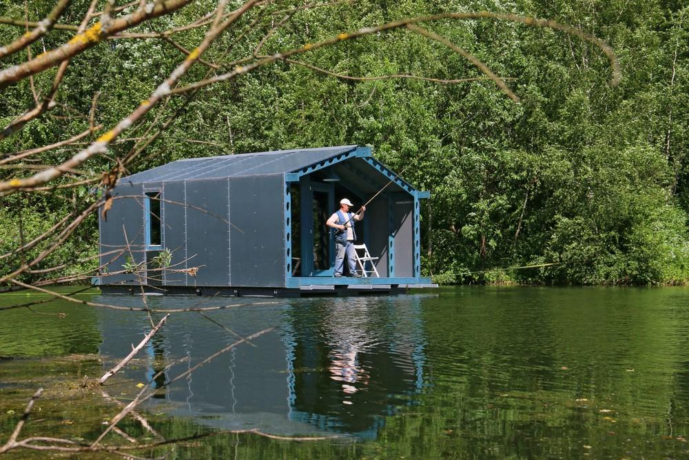 Плавучий дом на озере в Подмосковье