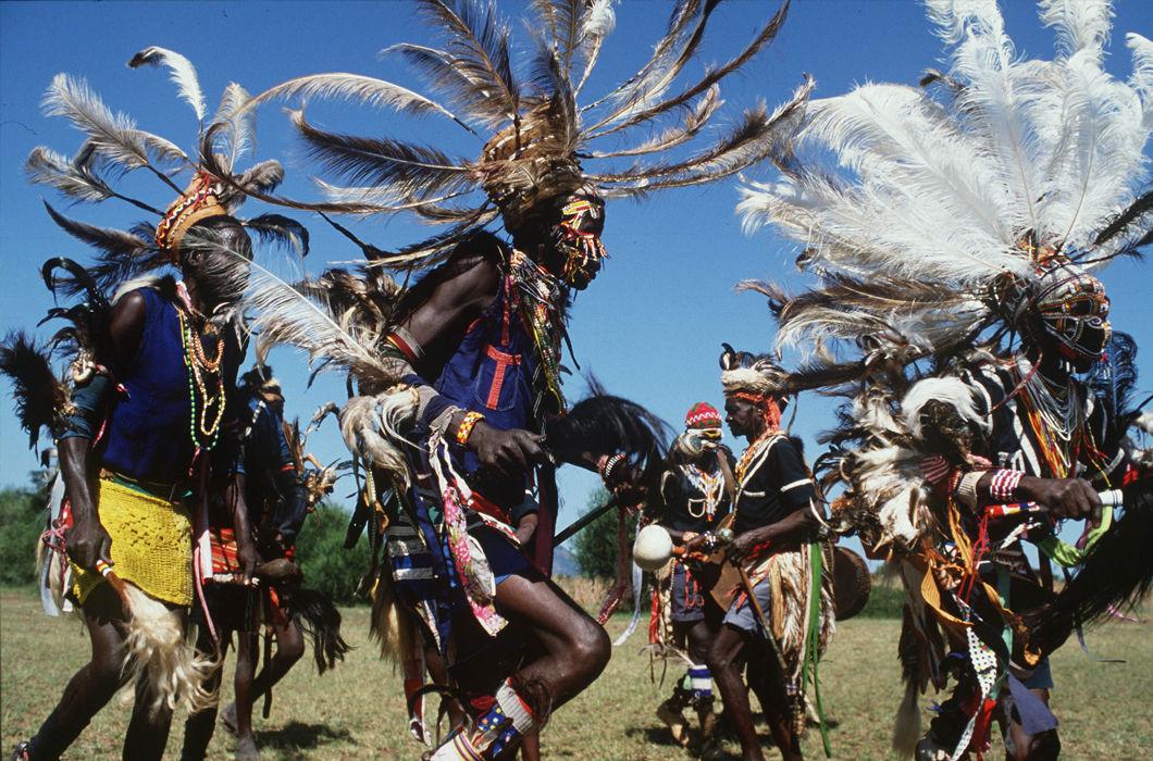 Страсти любви, картинки папуасы танцуют
