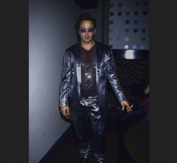 Странные снимки знаменитостей из 90-х