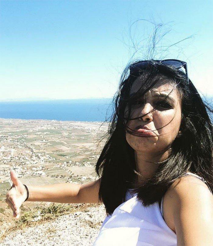 Девушка одна провела медовый месяц в Греции