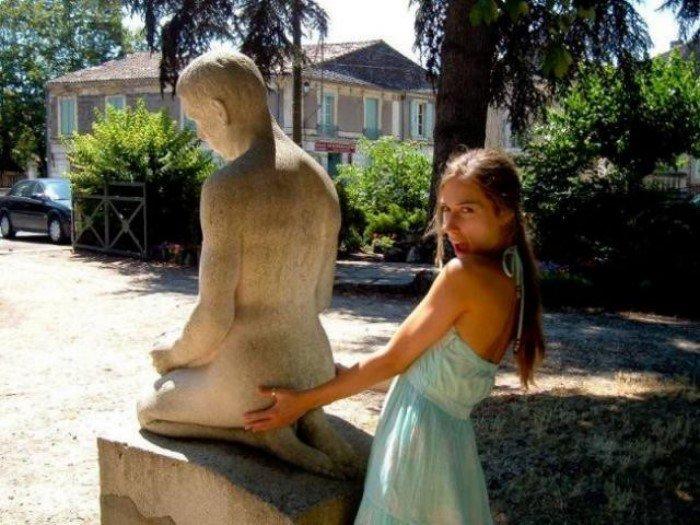 Прикольные фото с памятниками