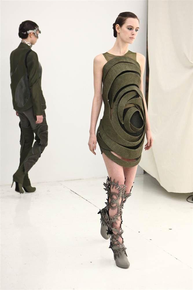 Странные наряды на Нью-йоркской неделе моды