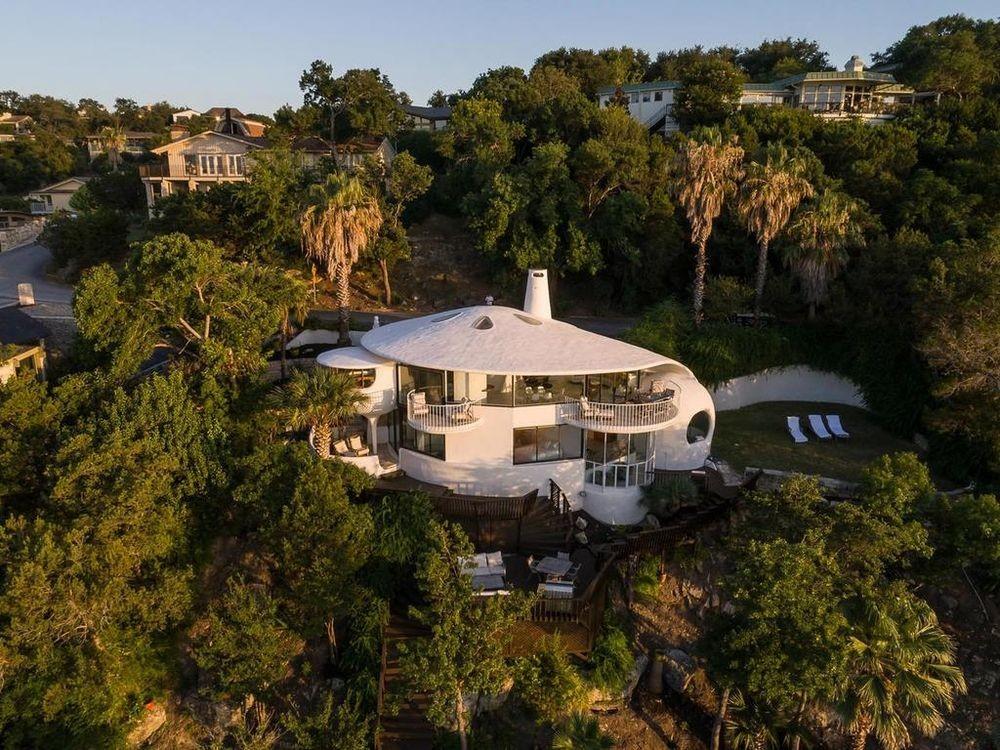 Необычный 40-летний дом и сегодня выглядит современно