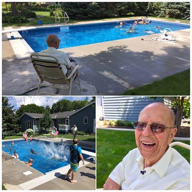 Пожилой мужчина построил бассейн для соседских детей