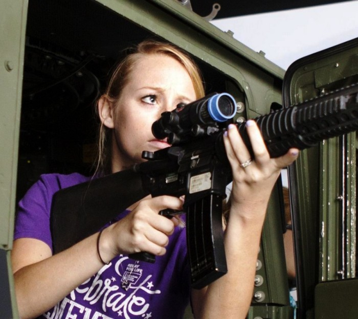 День открытых дверей для жен военнослужащих в США
