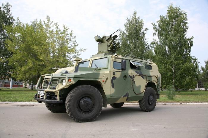 Русский бронемобиль Тигр