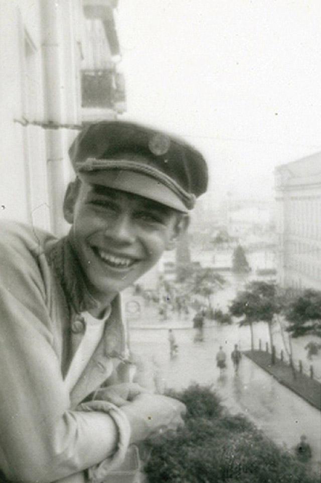 22 редкие фотографии знаменитых россиян