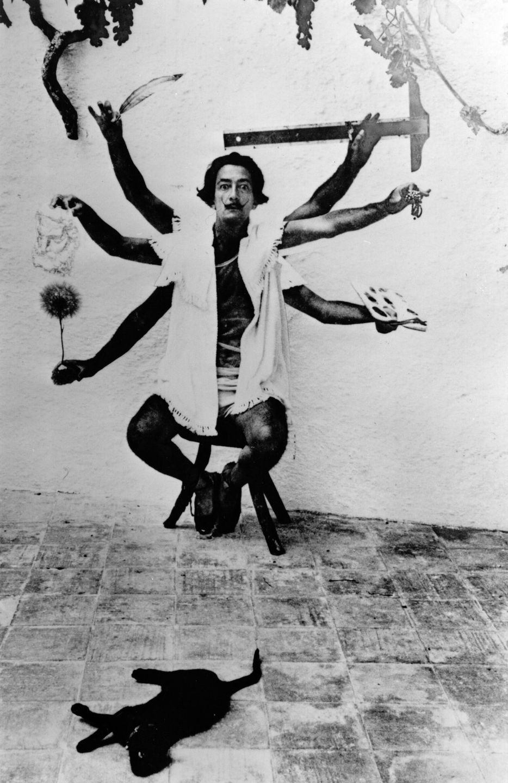 Смелые фотографии с Сальвадором Дали, снятые на вилле художника