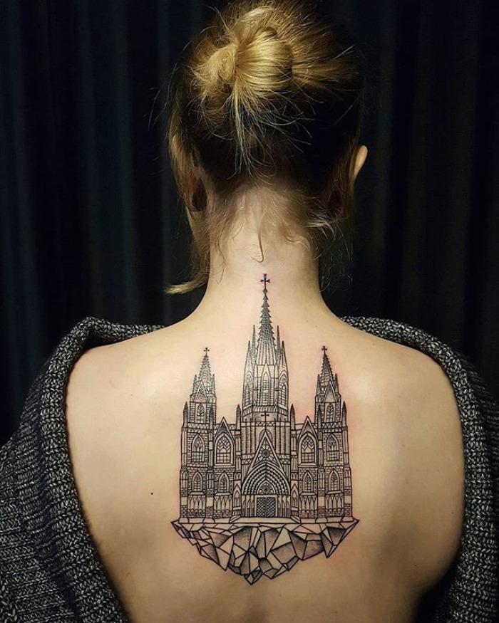 Поразительные архитектурные татуировки