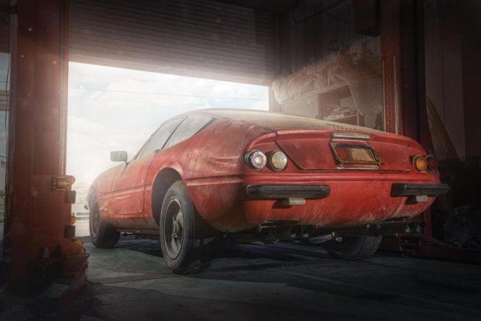 Раритетный Ferrari Daytona, найденный брошенным в сарае