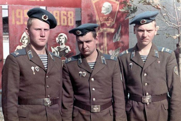 Советские военнослужащие ВДВ
