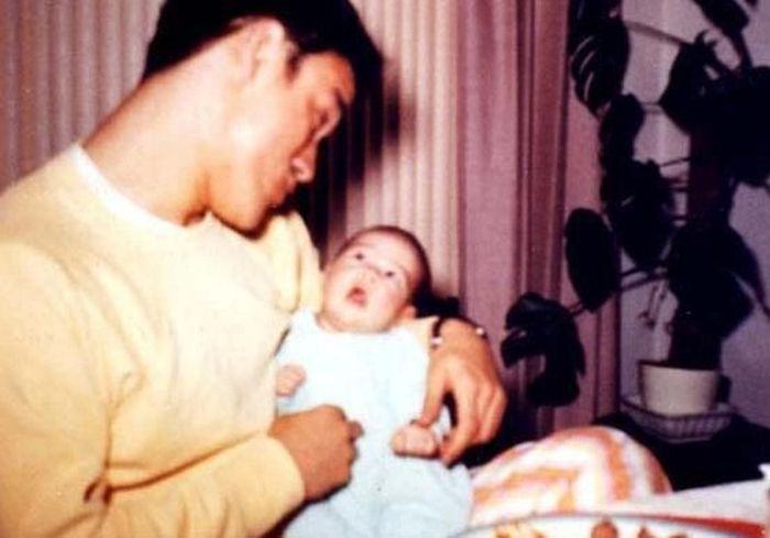 Фотографии из семейного альбома Брюса Ли